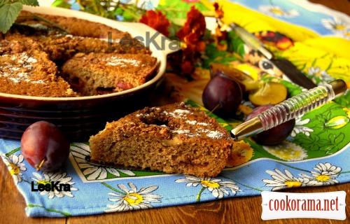 Орехово-сливовый пирог
