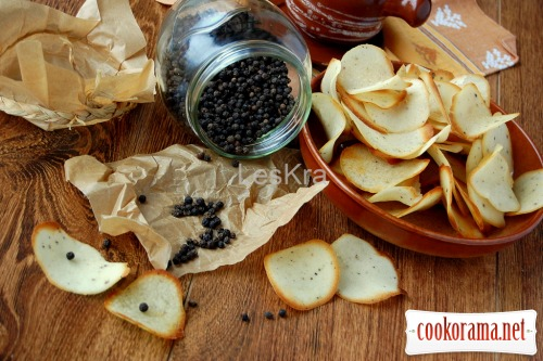 Rice cookies with caramelized black pepper