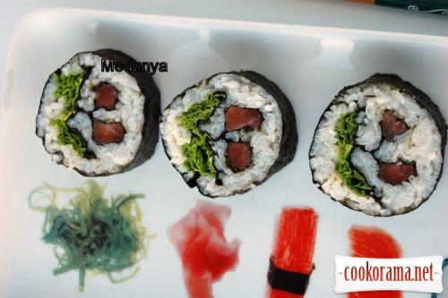 Кадзарі суші «Японська вишня»