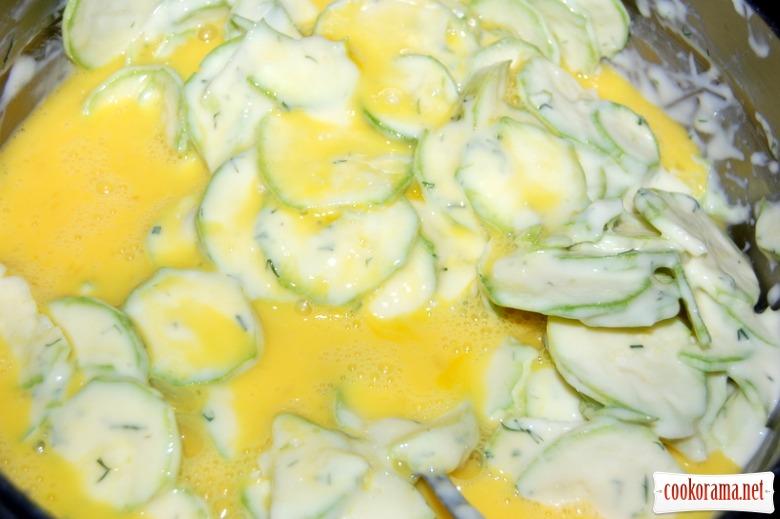 Запіканка  з молодих кабачків і плавленого сиру