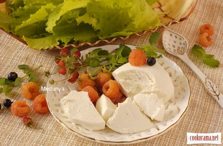 Сир типу «Мізітра» в домашніх умовах