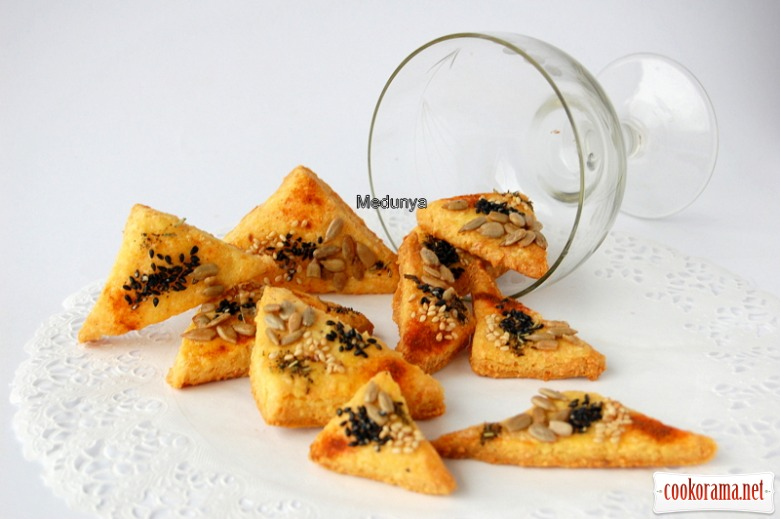 Сирне печиво на сметані зі смачною посипкою