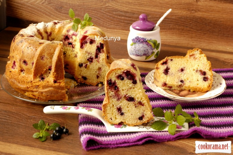 The perfect berry cake