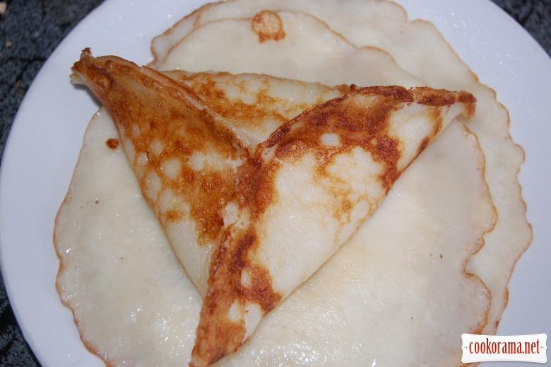 Млинці-пиріжки з яблучною начинкою