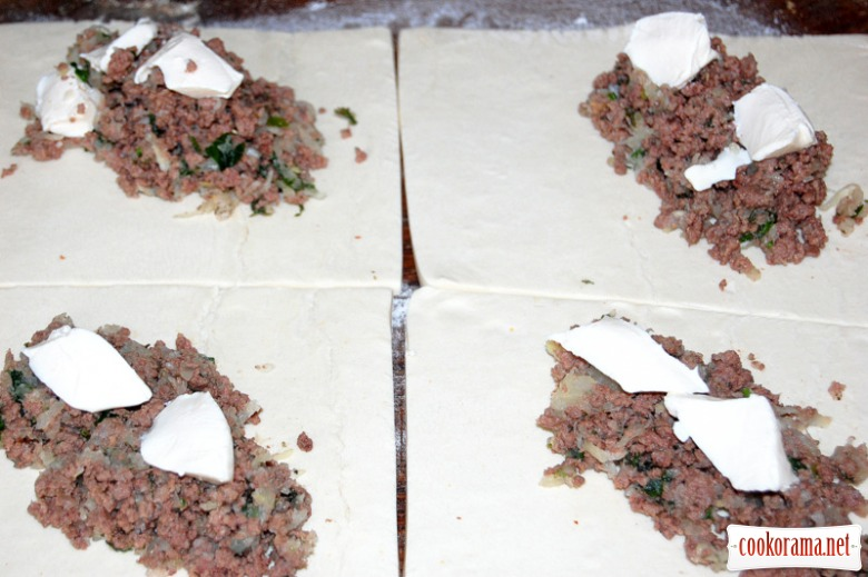 Triangles with meat
