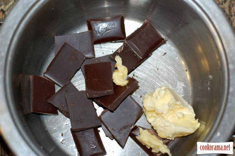 Мус з чорного шоколаду