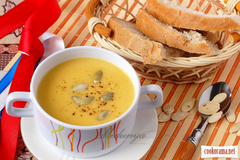 French pumpkin puree soup