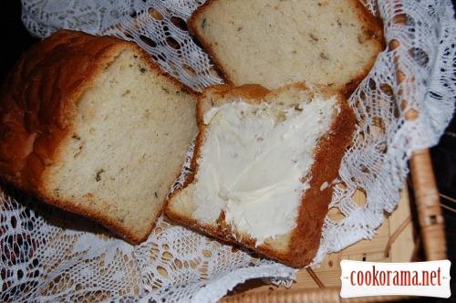 Хлеб с картофелем и зеленым луком