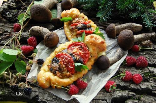 Сирні кораблики з грибною начинкою