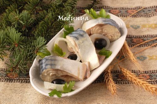 Маринована скумбрія