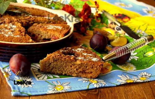 Горіхово-сливовий пиріг