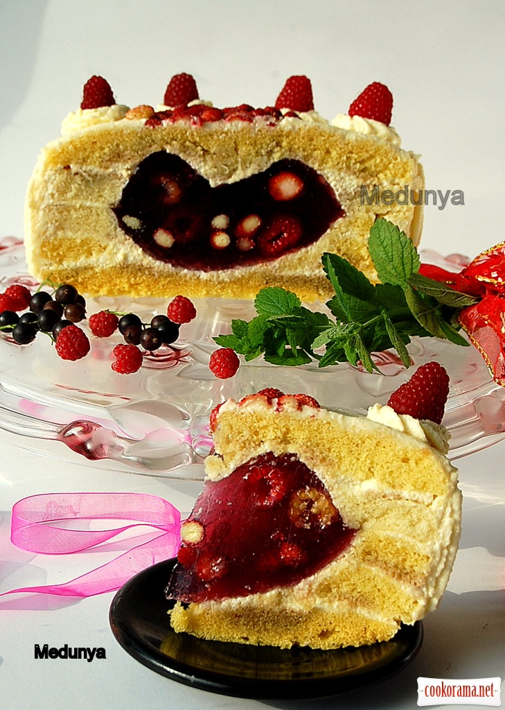 "Cake ""Berry Love"""