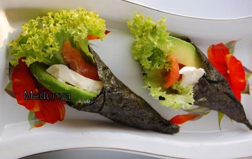 Темаки-суши или хэнд-роллы