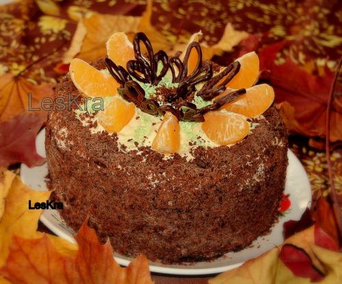Шоколадно-горіховий торт з йогуртовим кремом