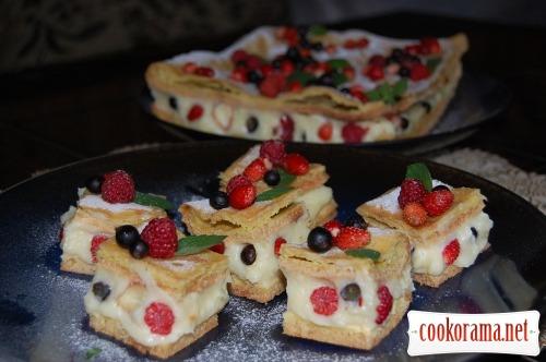 """Plyatsok """"Berry puff pastry"""""""