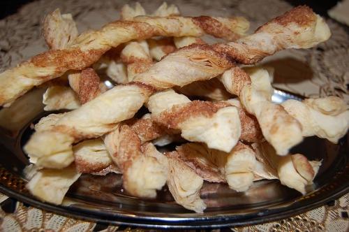 Sweet puff pastry sticks