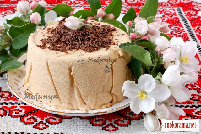 Cottage cheese Easter cake with condensed milk