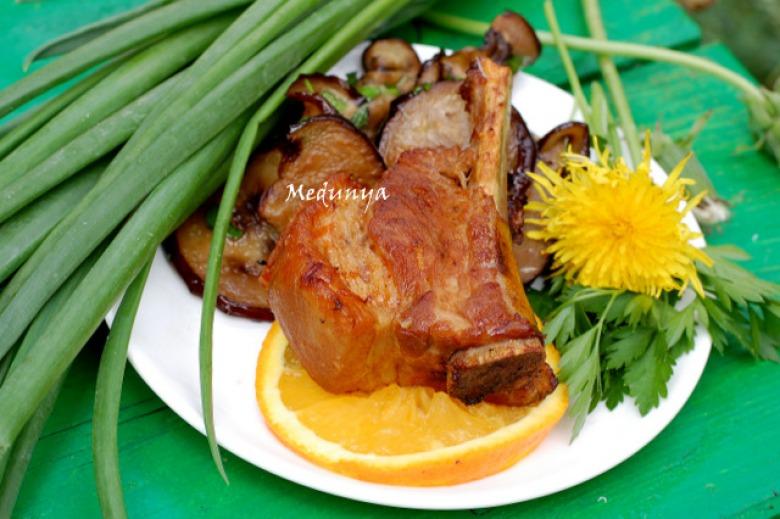 Pork grilled ribs with honey-orange glaze