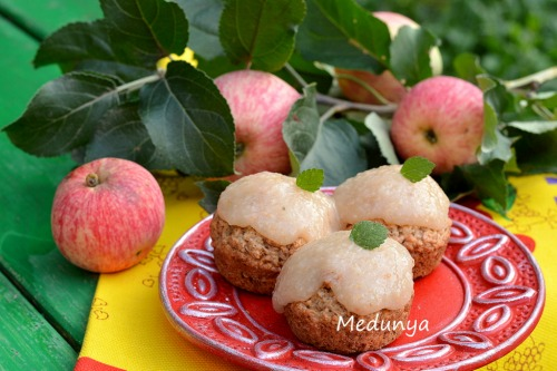 Пісні яблучно-коричні капкейки