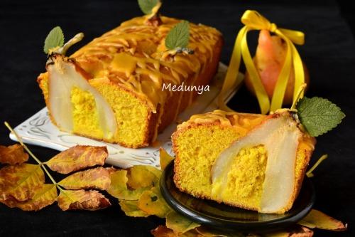 Ароматний жовтковий кекс з грушами