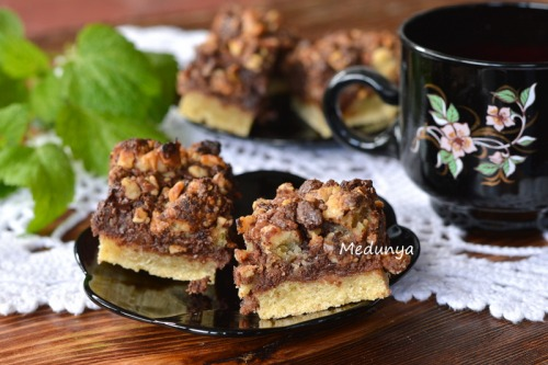 Шоколадно-горіховий пиріг