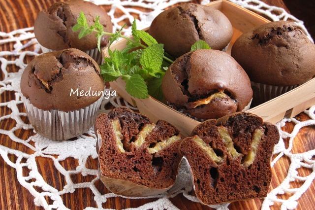 Шоколадні кекси з банановими смужками