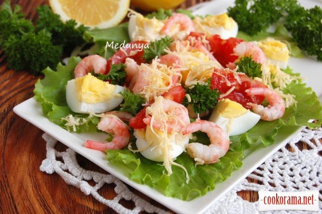 Салат «яскравий» з креветками
