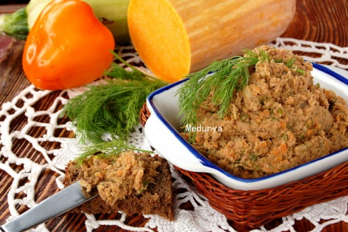 Beans and eggplants pate