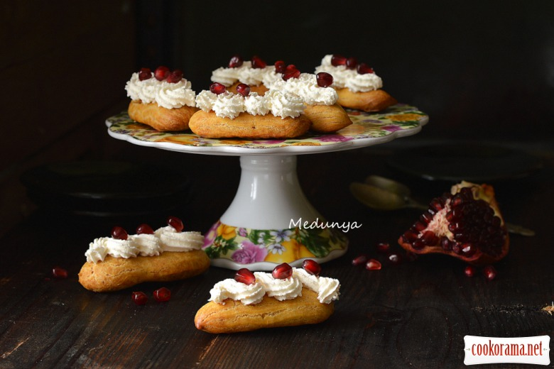 Заварні тістечка з сирно-вершковим кремом