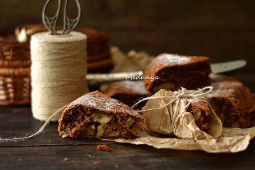 Шоколадно-ванильная яблочная шарлотка