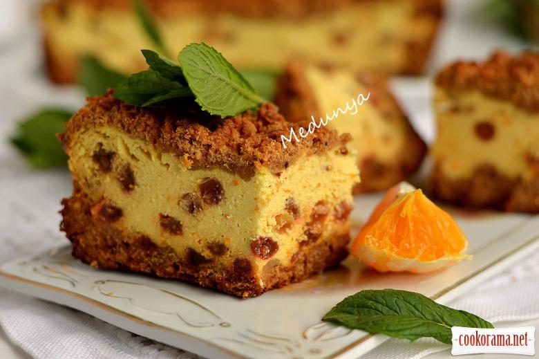 Кучерявий апельсиновий сирник з родзинками