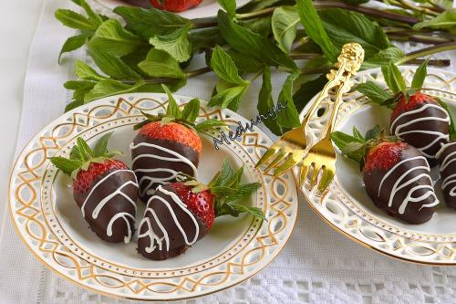 Полуниця в шоколаді