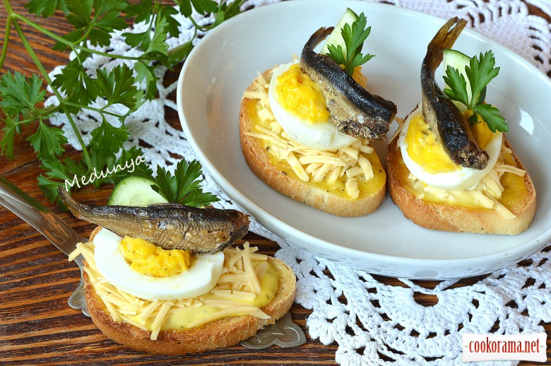 Праздничный бутерброд со шпротами