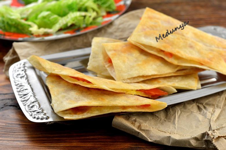 Закусочні трикутники з лаваша