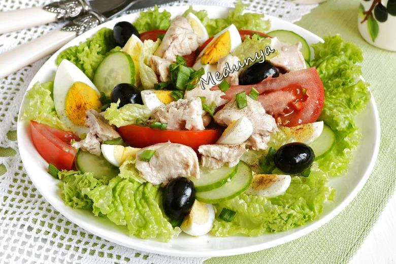 Салат з печінкою тріски