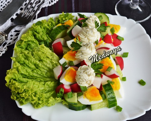 Салат з редискою