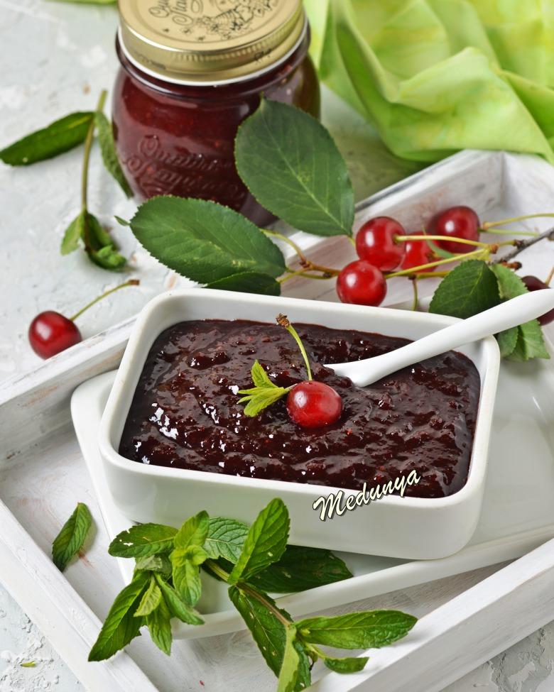 Шоколадно-м'ятний джем із вишні