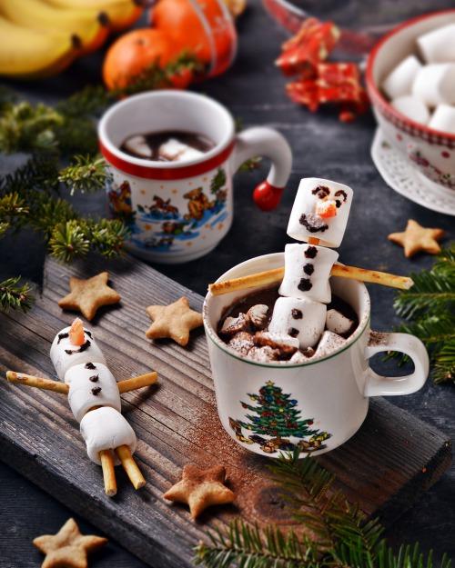 Какао з шоколадом і маршмеллоу