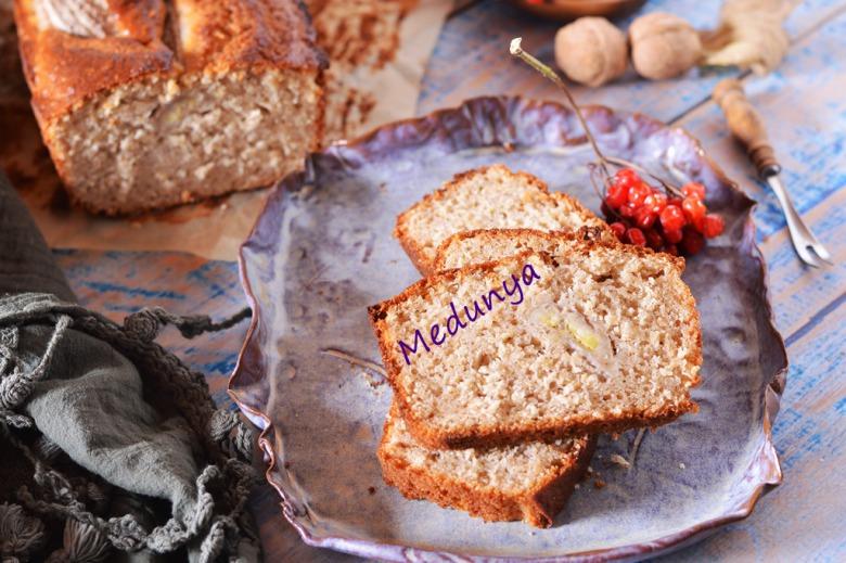 Банановий хліб з вівсяними пластівцями і горіхами