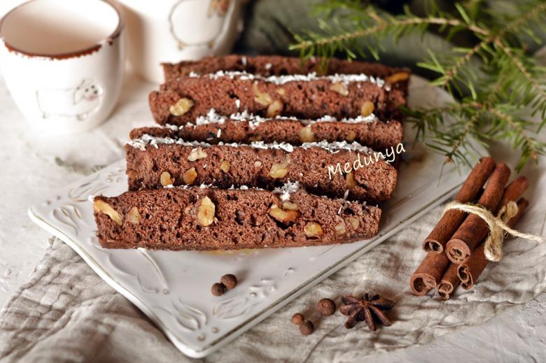 Шоколадний горіховець по-святковому