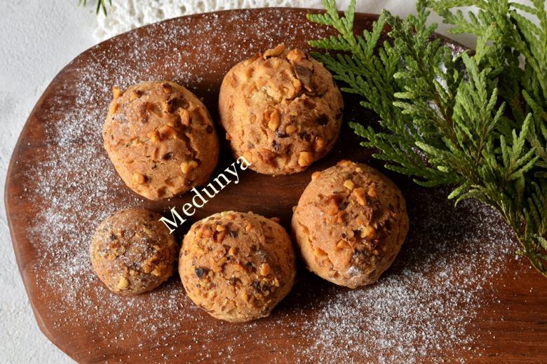 Пісочні арахісові кульки на сметані