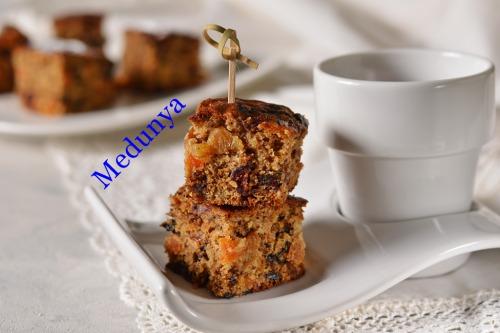 Пісний пиріг із сухофруктами