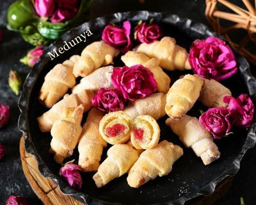 Галицькі рогалики з ружею на смальці і червоному вині