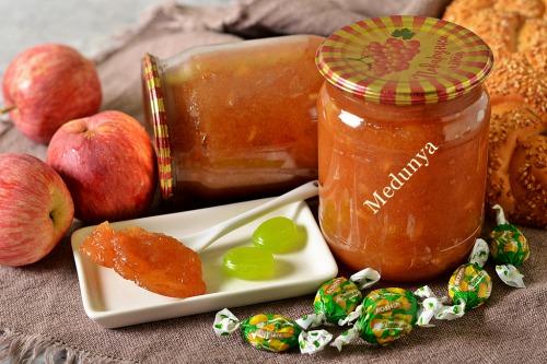 """Ідеальне яблучне повидло (із цукерками """"Дюшес"""")"""