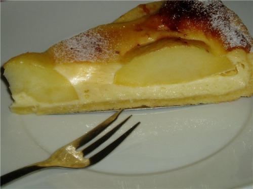 Пиріг яблучний з заливкою