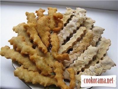 Хрумкі картопляні палички, смажені і печені