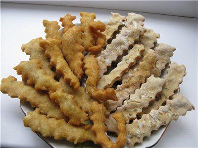 Хрустящие картофельные палочки, жареные и печеные