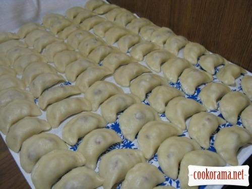 Заварне, пісне тісто на вареники і пельмені + вареники з картоплею і м'ясом