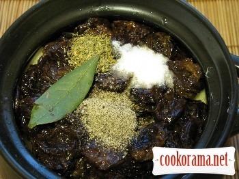 Печеня з чорносливом