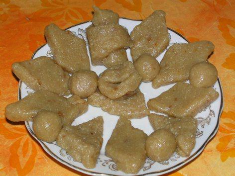 Бадам аур писта ка халава - ореховая помадка